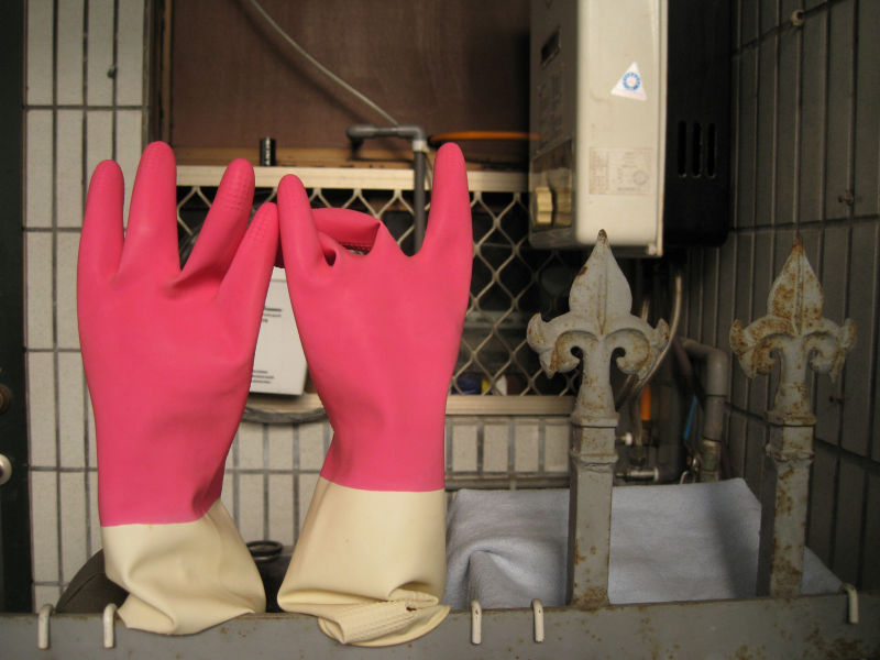 gloves waiting for hands