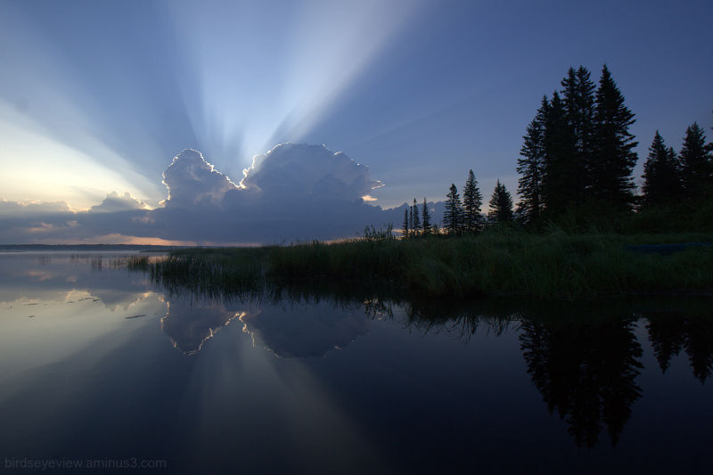 sun rise on whirlpool lake