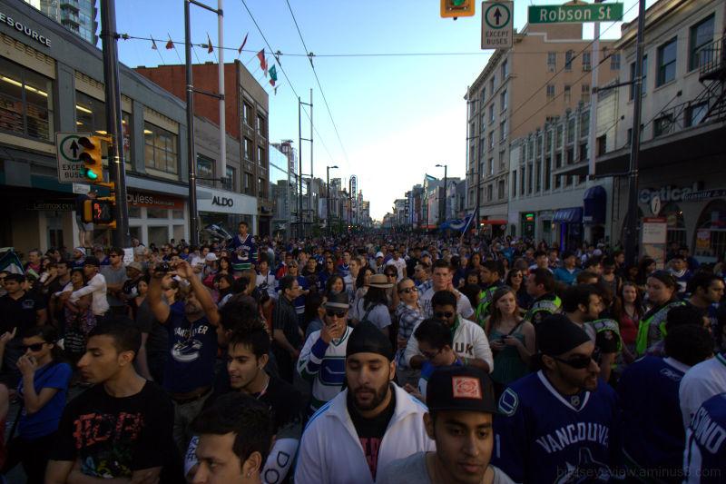 canucks crowds