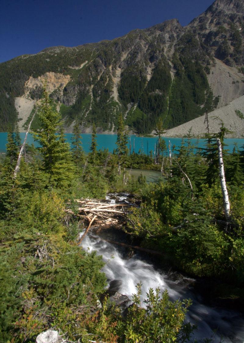 gorgeous joffre lakes