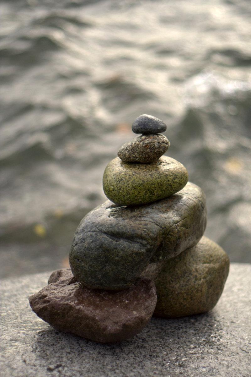rock-balancing