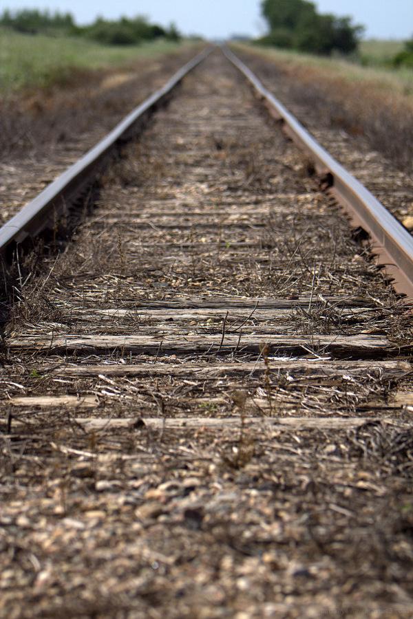 train tracks in saskatchewan
