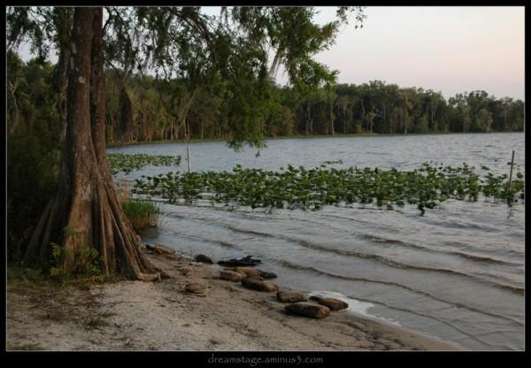 lake diaz at dusk