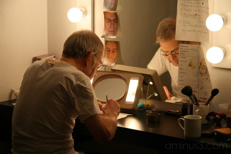 an old actor preparing for a play