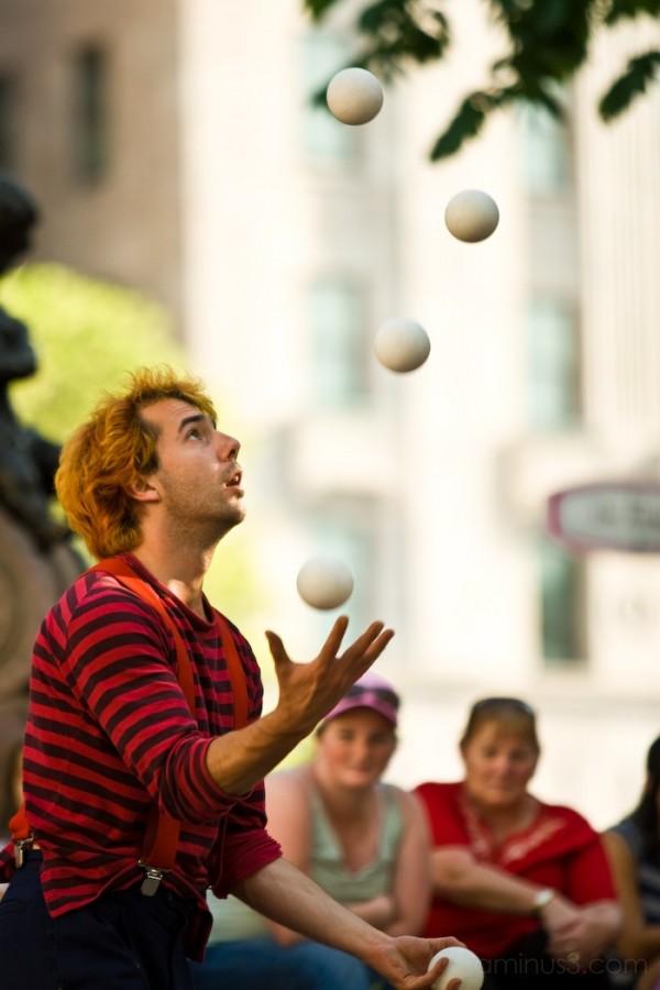 A juggler in quebec city - old québec