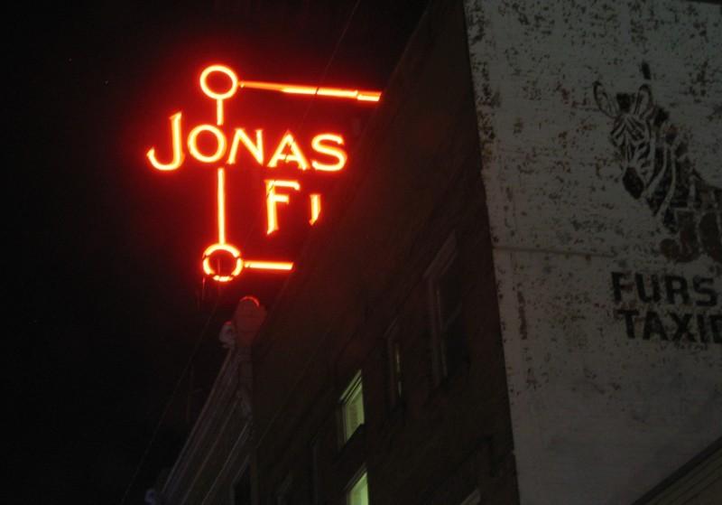 Jonas Furs