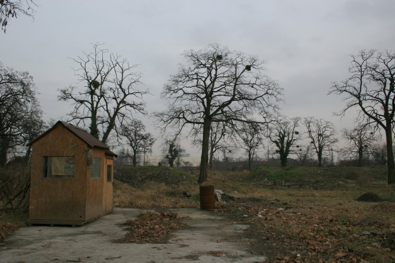 at the back of the kerepesi temető