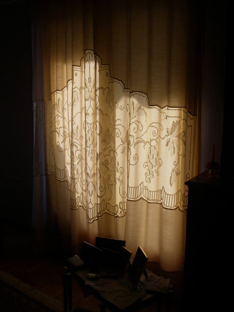 mother´s curtain