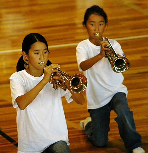 Horny Japanese schoolgirls