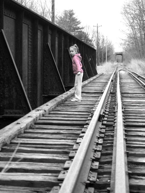 ariana on the tracks