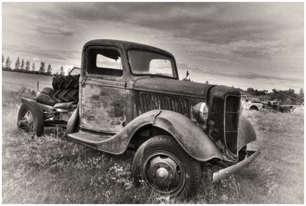 B&W truck antique Sukanen