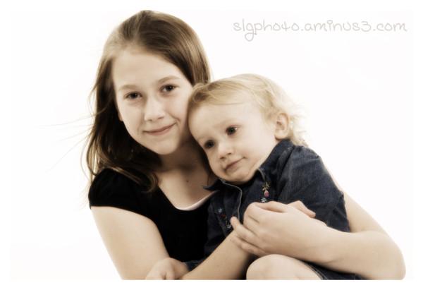 Amy Nicole sisters hug