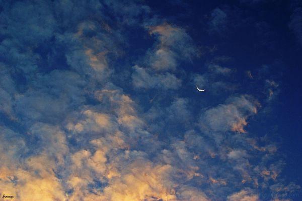 Moonset Sunrise Clouds Landscape Beach Morning