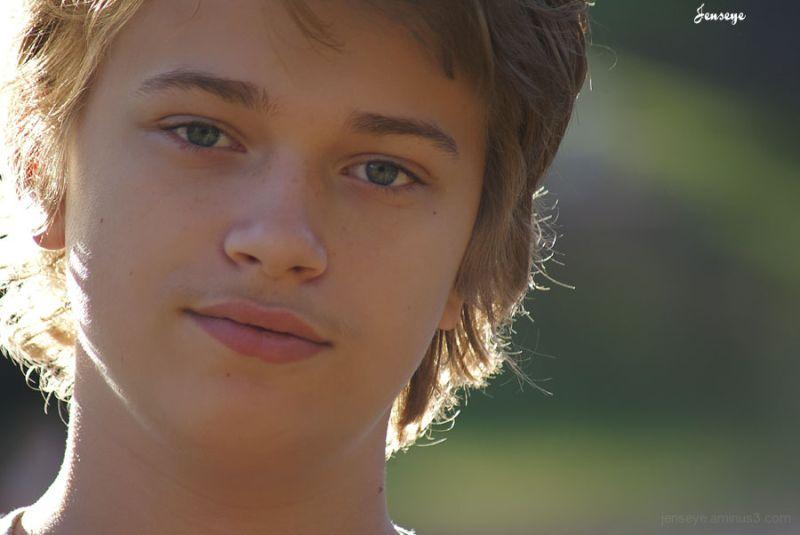 Potrait Teenager Light Son Blonde Boy