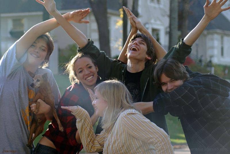 Potrait Teenagers Fun Cousins Sunlight Pyramid