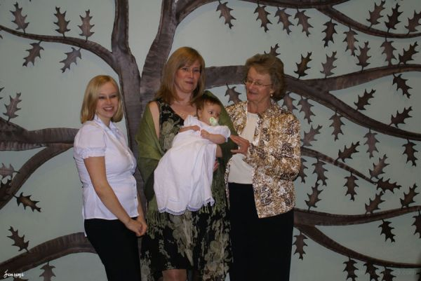 3 generations of woman