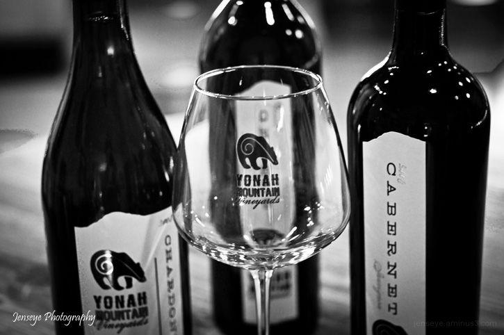 Business Yonah Mountain Vineyards Wine Bottles