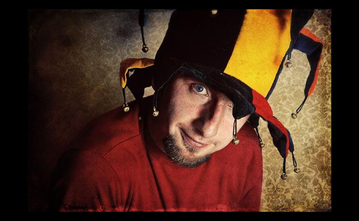 Pod czapką błazna / Under jester's cap