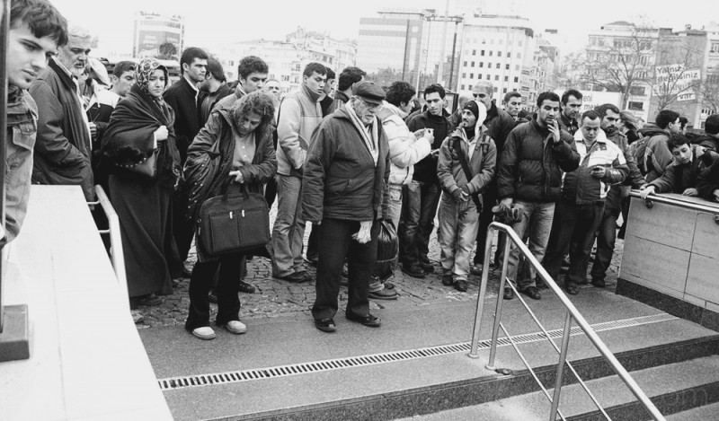 Closed Metro after murder of Hrant Dink