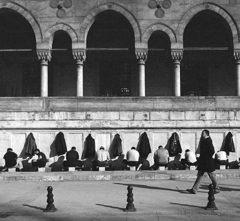 Washing before prayers, Yeni Cami, Istanbul