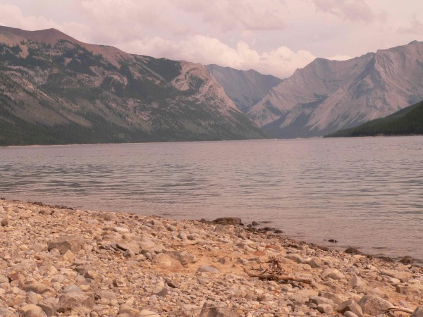 lake minewonka alberta