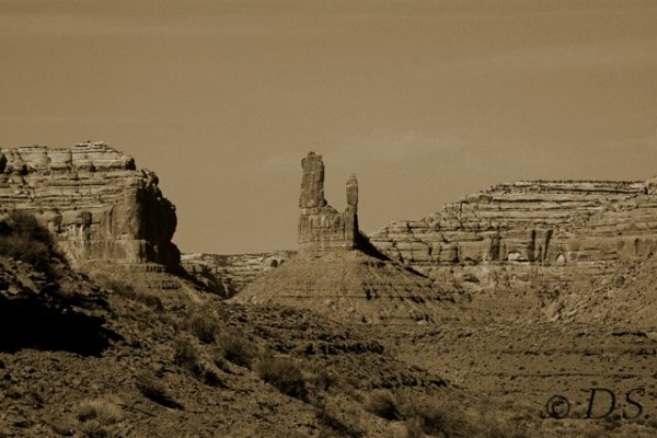 dawn sutherland, utah, monument valley, red rocks,