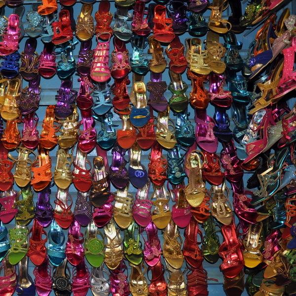 sénégal 15/  dakar / marché HLM / technicolor 2