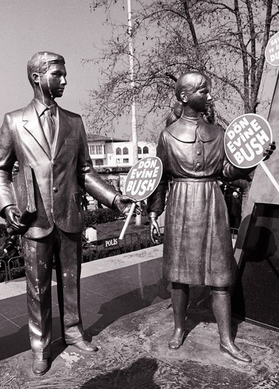 Statues celebrating Ataturk, protesting war, Istan