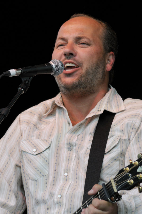 Jason Plumb & The Willing at the Queen City Ex