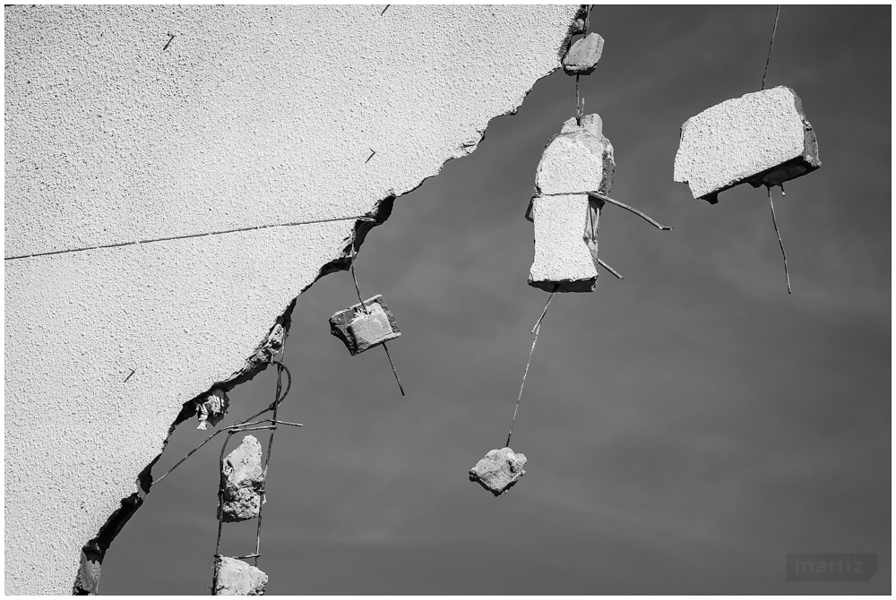 Gravity | Deconstruction of Ideas