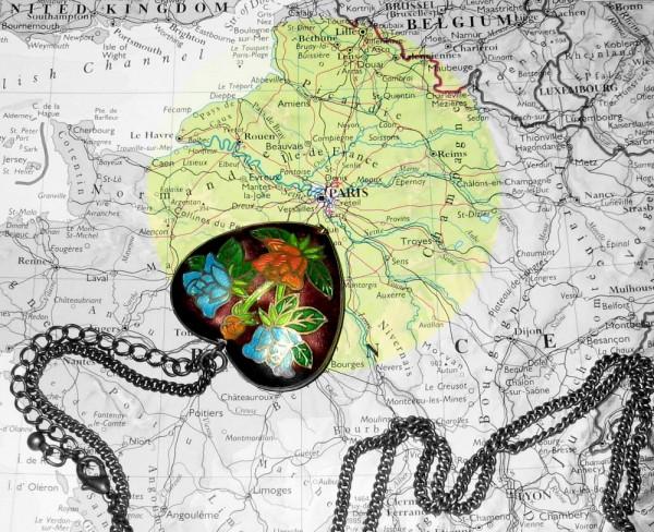 travelling, paris, atlas