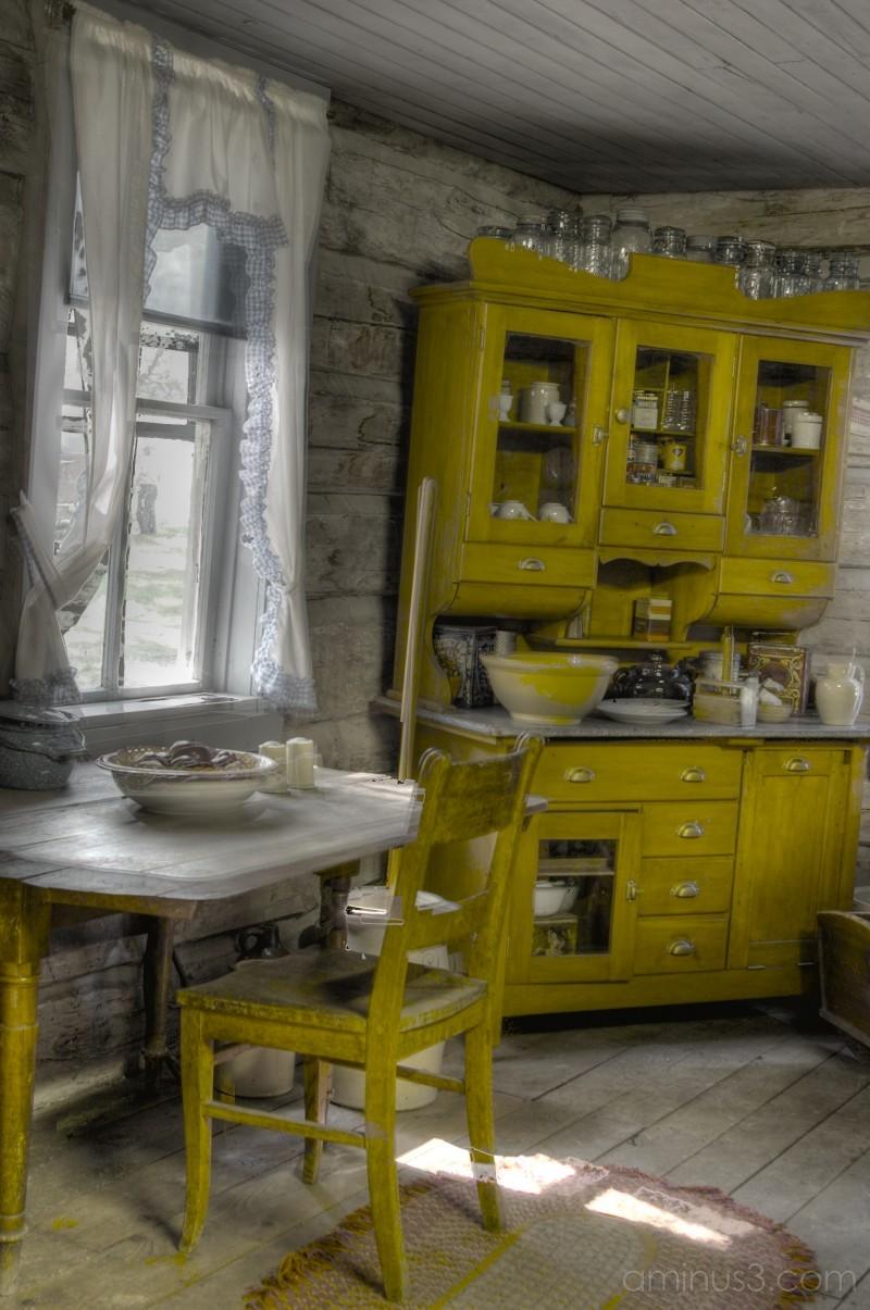 Kitchen 3 of 3