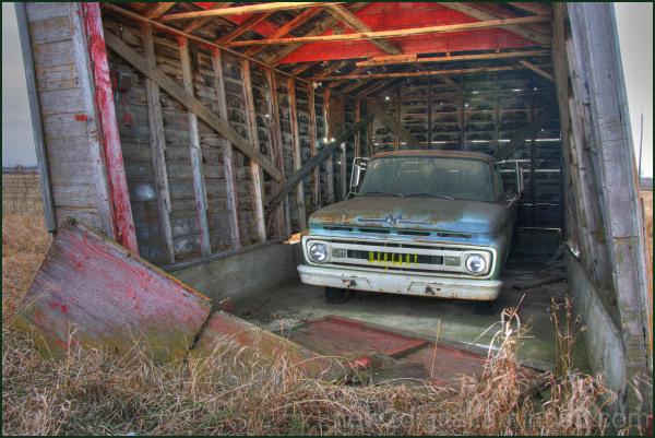 One Truck Garage 3/3