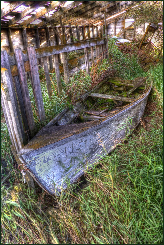 Boat in a Barn 2/2
