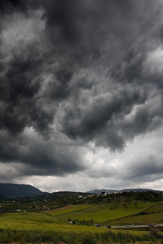 El cielo más oscuro   /   The darkest sky