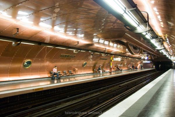 Arts et Métiers station Paris Métro