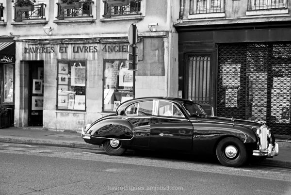 Old Car Paris