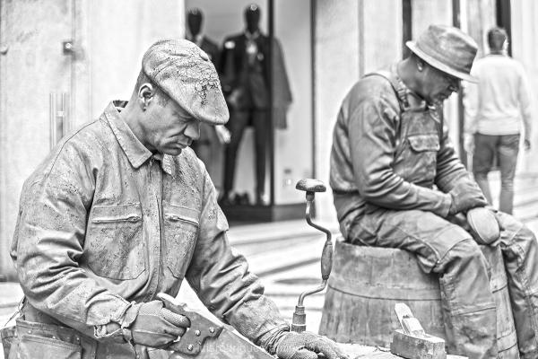 Porto Statue Men