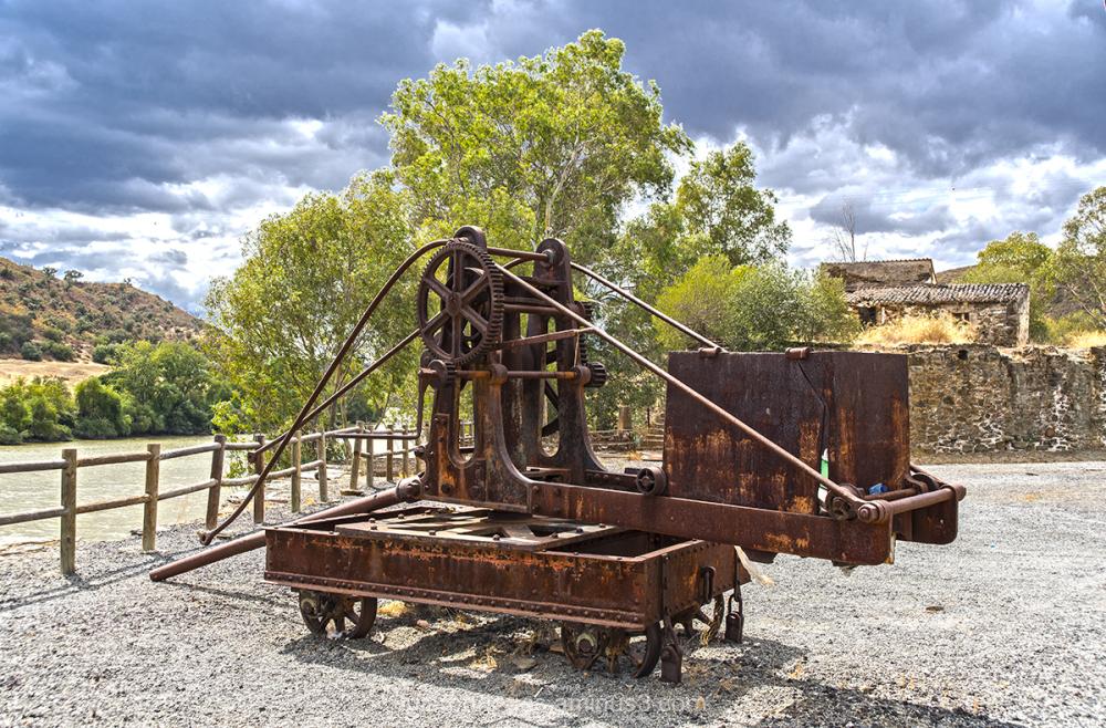 Mine Old Machine pomarao