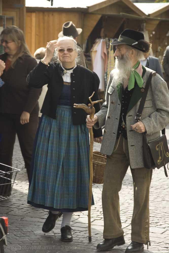 Tirolean tipical couple