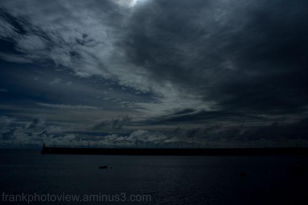 frigthenning sky