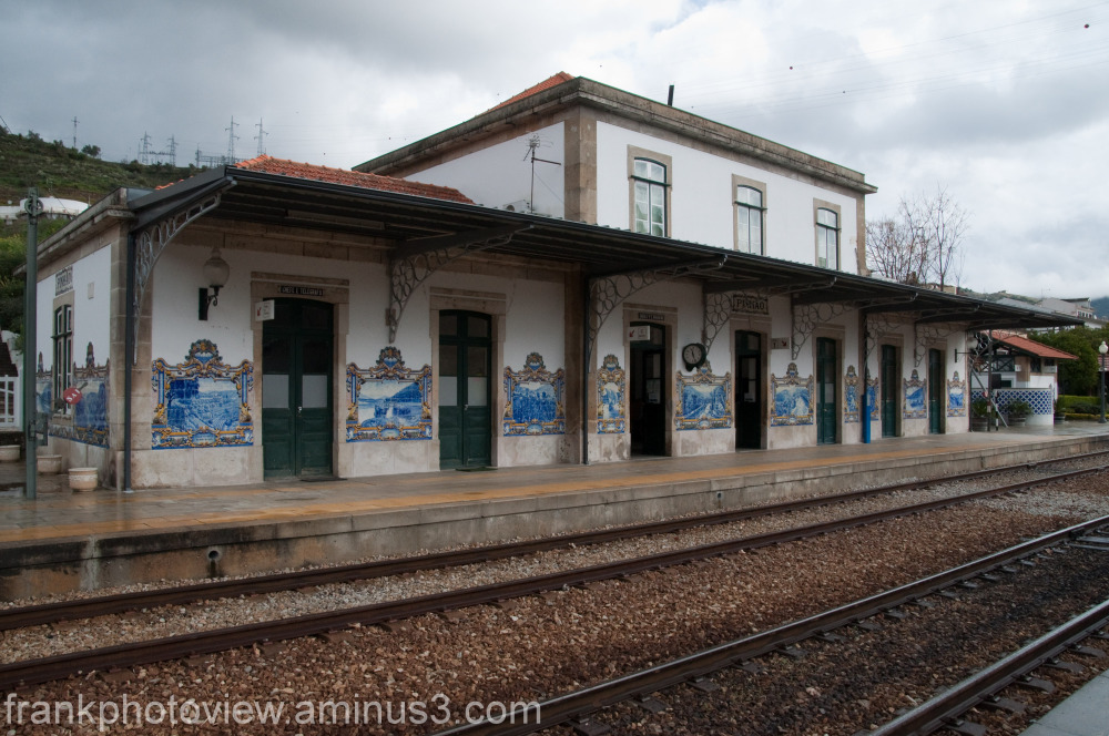 Train station at Pinhão in Douro