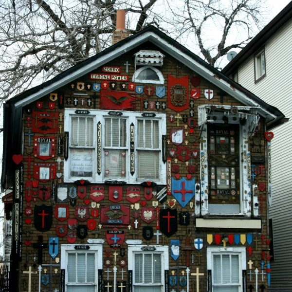Unusual house decorations in Chicago, Illinois