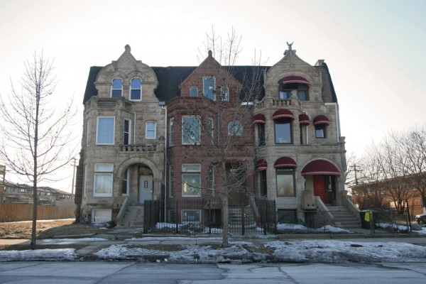 row houses in Chicago