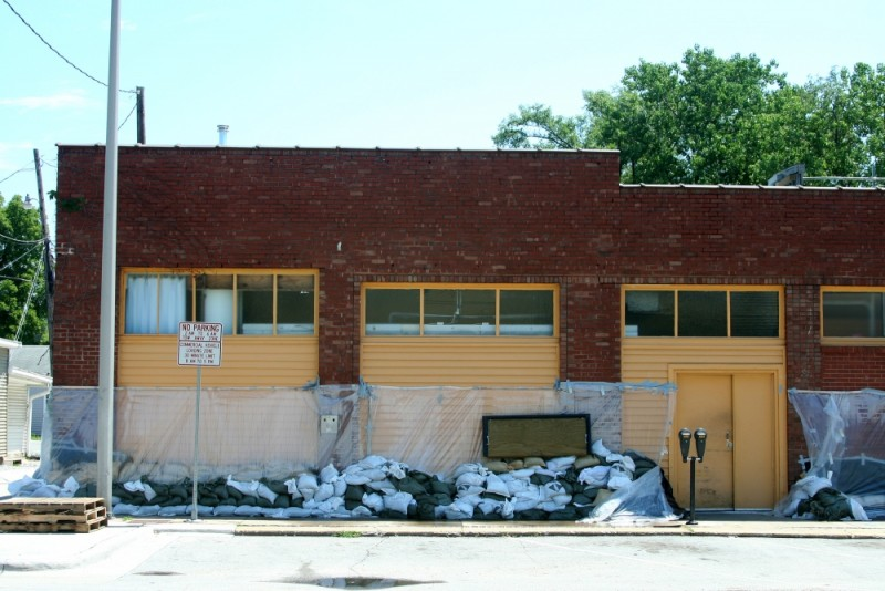 Sandbagged store in Iowa City