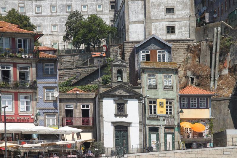 Little church by Duoro River in Porto, Portugal