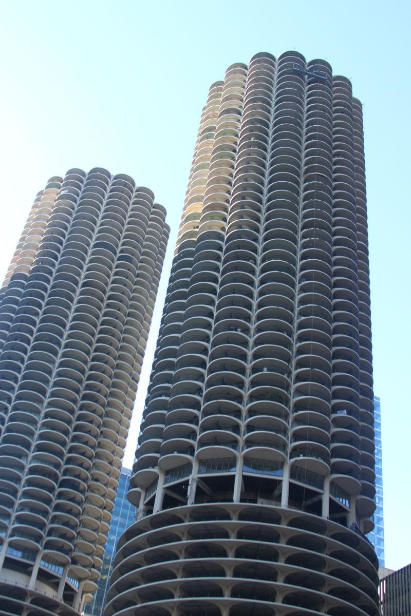 Image of Marina City buildings, Chicago, Illinois