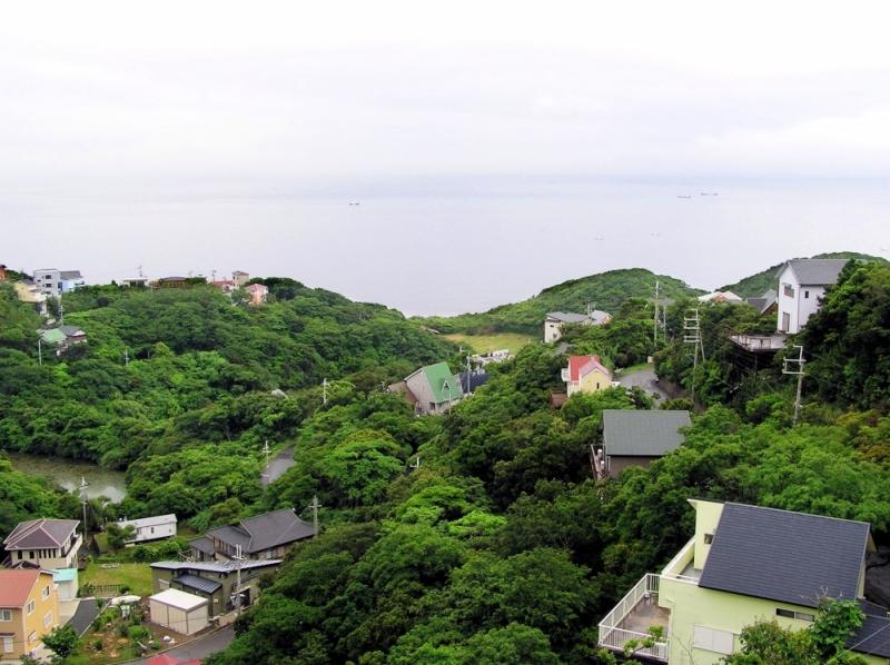 Wakayama sea coast house greenery Japan