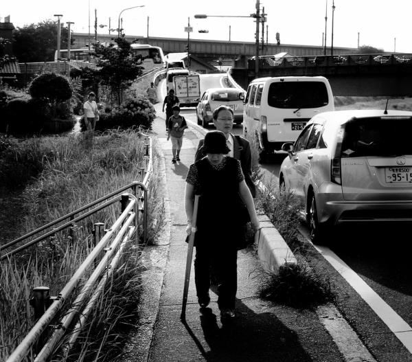 Mogawa Sonoda river neighbourhood road walk