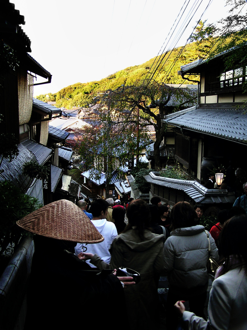 Kyoto Kiyomizu-dera streets crowds tourist Japan